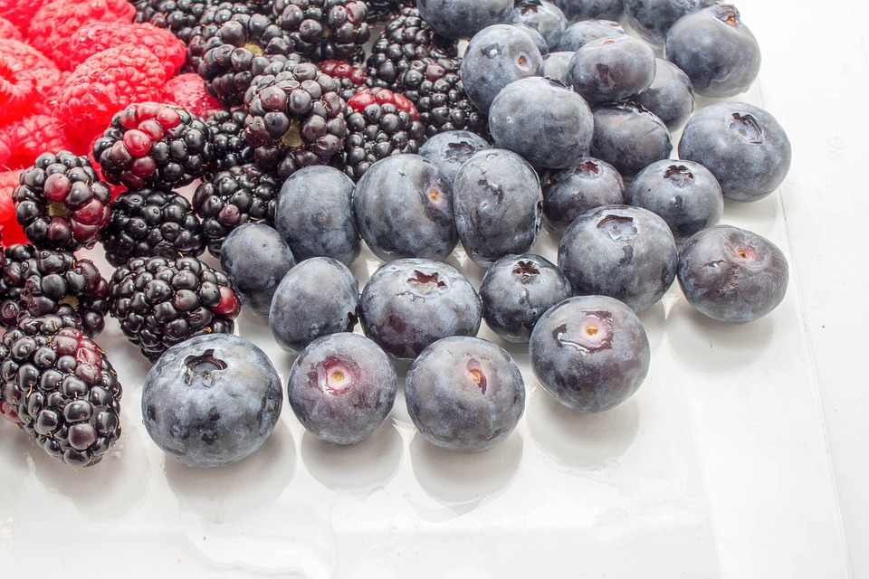 Berries fresh or frozen never lose their folate